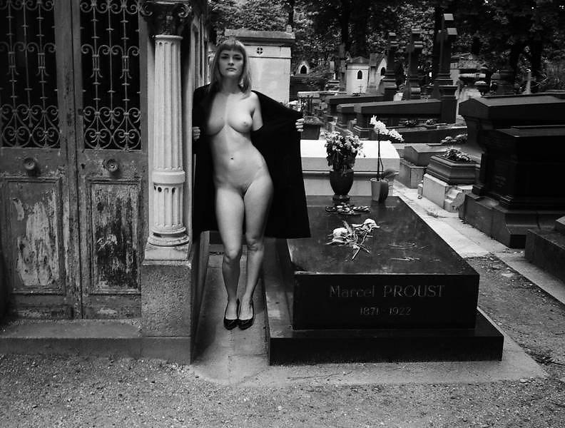 Richardson A7 Cécile Père Lachaise Cemetery Paris 2013