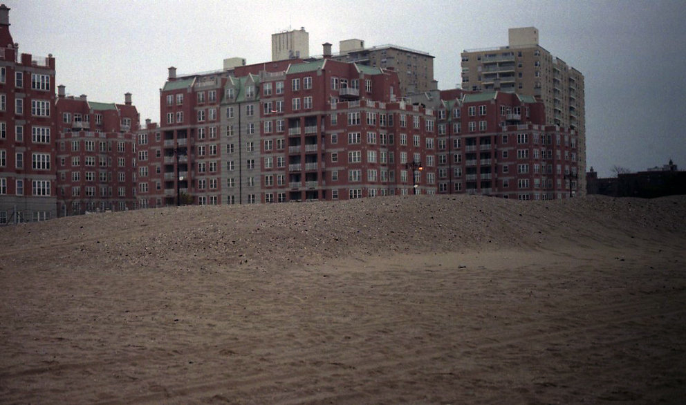 Locations Series, Two Lovers, Brighton Beach, Brooklyn, NY, 2014