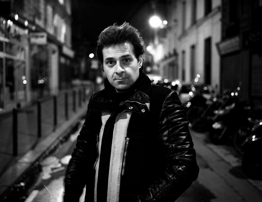 Miltos Manetas, portrait de nuit, Paris, 2012