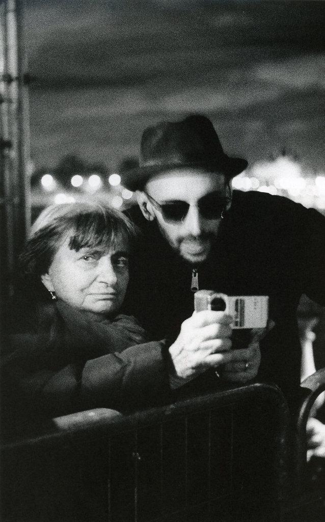 Agnès Varda et JR (portrait de nuit) Paris 2016